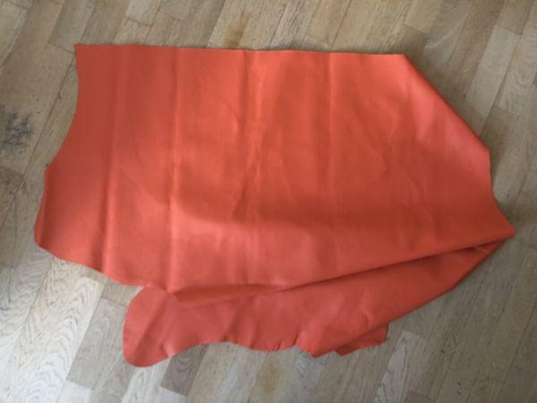 Hochwertige Leder Restposten, Orange, ca. 100x90cm
