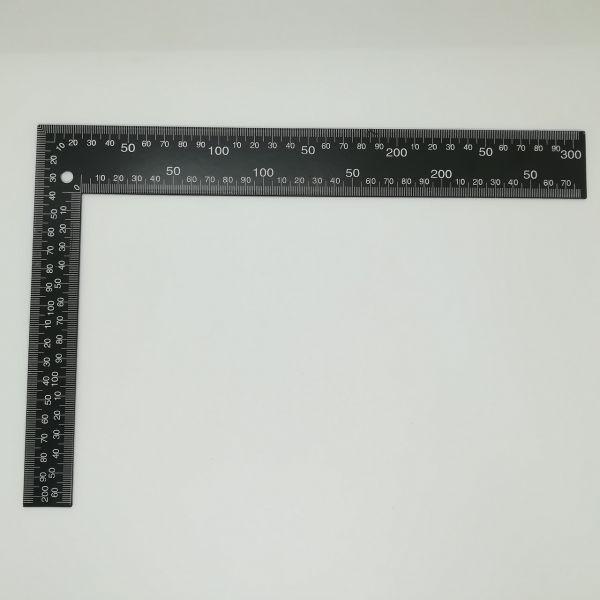 Stahllineal rechtwinklig