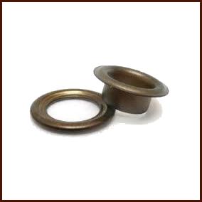 Ösen mit Ringen 4 mm altmessing