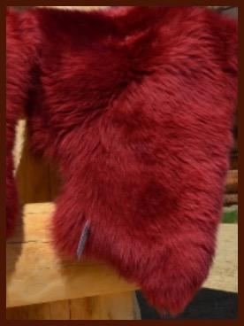 Schaffell dunkel rot
